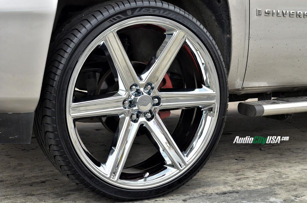 26″ IROC Wheels 6 with Chrome Rims