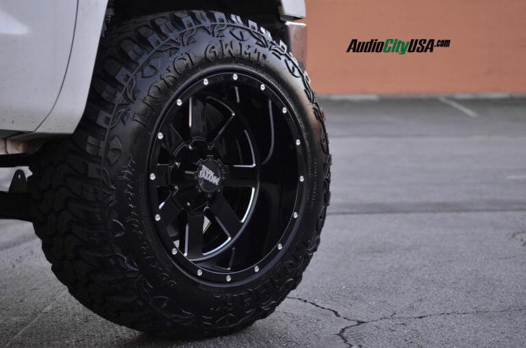 20″ Moto Metal Wheels 962 Glossy Black | 2008 Toyota Tundra | 35×12.5×20 Lionhart | Pro Comp Lift Kit