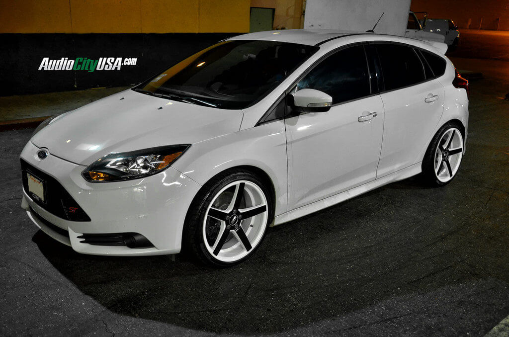 2014 Ford Focus St On 19 Quot Str Wheels 607 White Windows