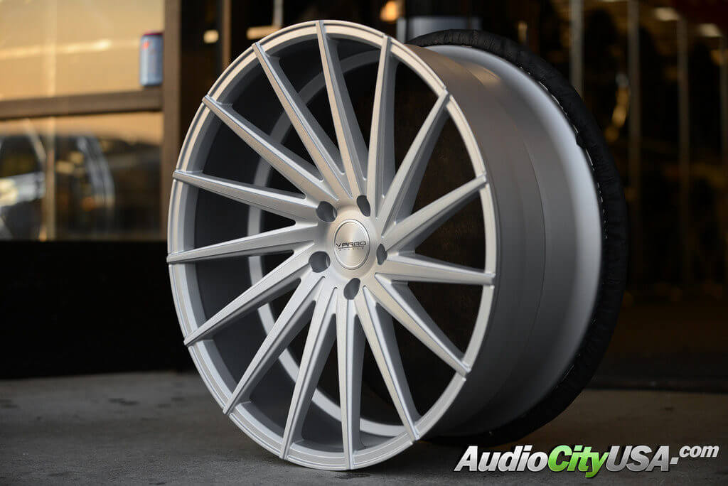 "20"" Varro Wheels VD 15 Brush Silver | Concave series"