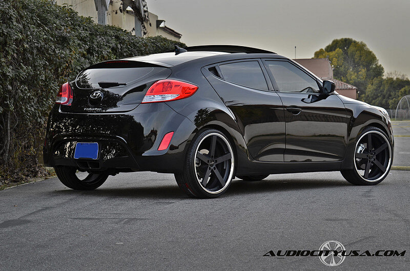 20 giovanna mecca matte black on 2012 hyundai veloster. Black Bedroom Furniture Sets. Home Design Ideas