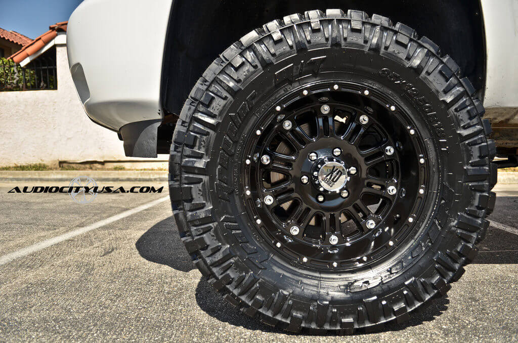 "Pro Comp Leveling Kit >> 2007 CHEVY Silverado | 17"" XD Wheels XD795 Hoss Gloss Black with Nitto Trail Grappler MT 