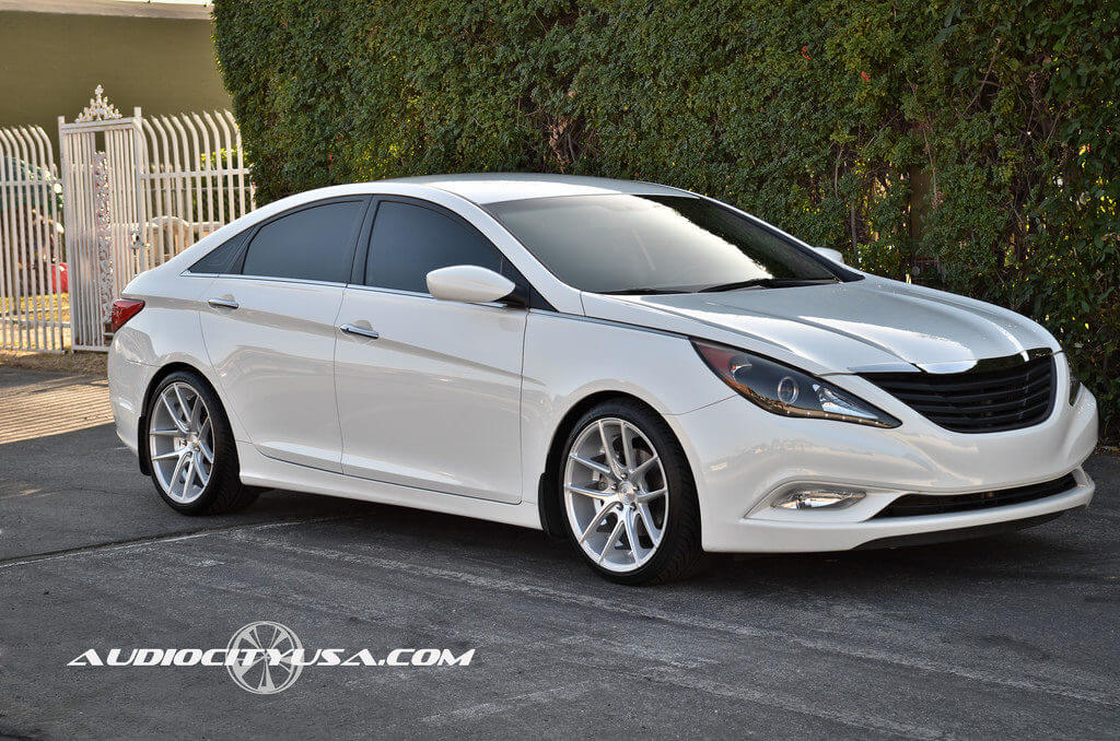 2012 hyundai sonata 2 0 t sitting on 19 niche targa m 131 blog. Black Bedroom Furniture Sets. Home Design Ideas