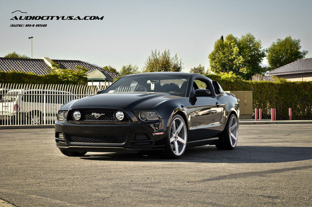 """Polaris Sling Shot >> 20"""" STR 607 Silver **DEEP Concave** on 2014 Ford Mustang ..."""