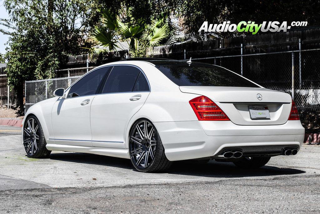 6_mercedes_benz_s550_22_road_force_wheels_rf11_glossy_black_audiocityusa-1024x684
