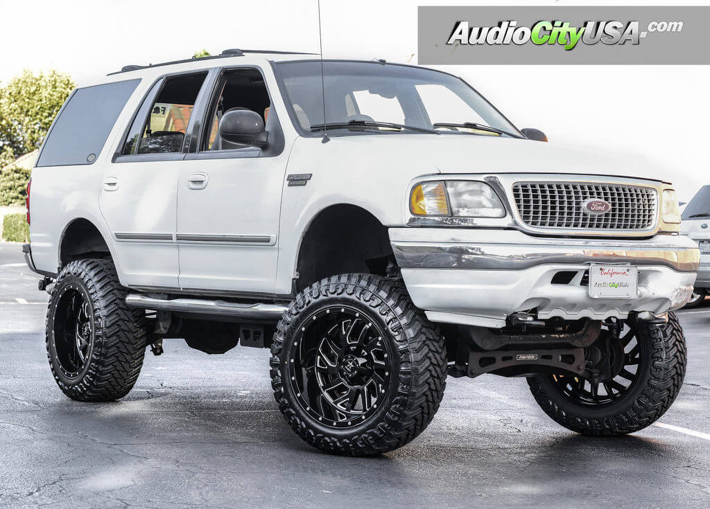 Watch together with Chevrolet Silverado Suburban Tahoe 04 07 17 Wheel Center Cap 5196 Pn 9594520 together with 113296153 besides 22 Inch Wheels For 2015 Ford F150 in addition For Sale 2003 Crown Victoria Police. on 24 inch rims on ford explorer