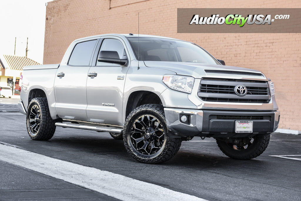 ... assault_d576_wheels_rims_2016_toyota_tundra_toyo_tires_audiocityusa
