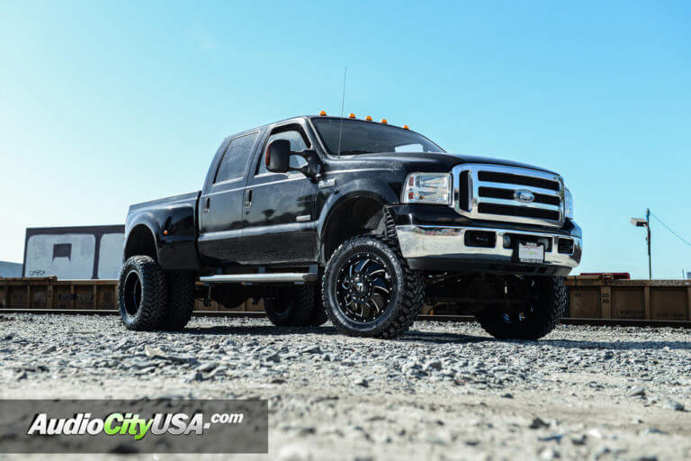 20″ Fuel Wheels D574 Cleaver Dually Gloss Black Milled Rims | 4″ Rough Country Suspension Lift Kit | Ford F-350 Dually