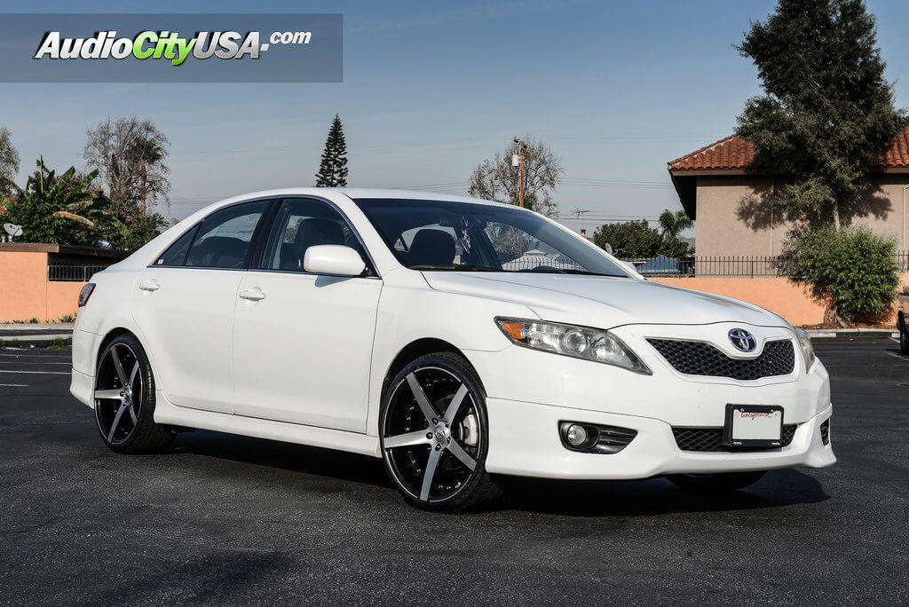 20_marquee_3226_brush_silver_toyota_camry_audiocityusa