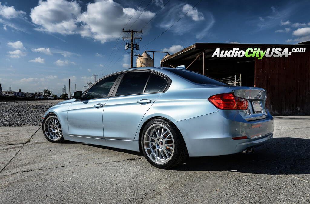 2_2013_bmw_328i_18_str_racing_wheels_silver_machine_514_rims_audiocityusa