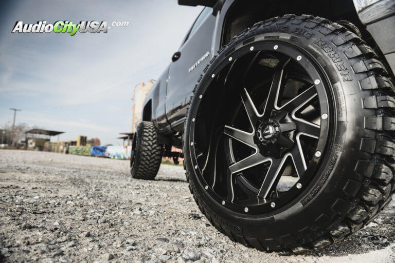 2016 Chevy Silverado 1500 | 22″ Fuel Off-Road Wheels D265 Renegade Black Milled with Gloss Black Outer with 9″ Rough Country Lift Kit | AudioCityUSA