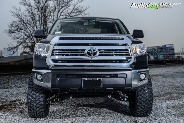 2016 Toyota Tundra | 22″ Fuel Wheels Maverick D537 Black Machined Rims | 35×12.5×22 RBP Tires | 6″ Rough Country Lift Kit | AudioCityUSA