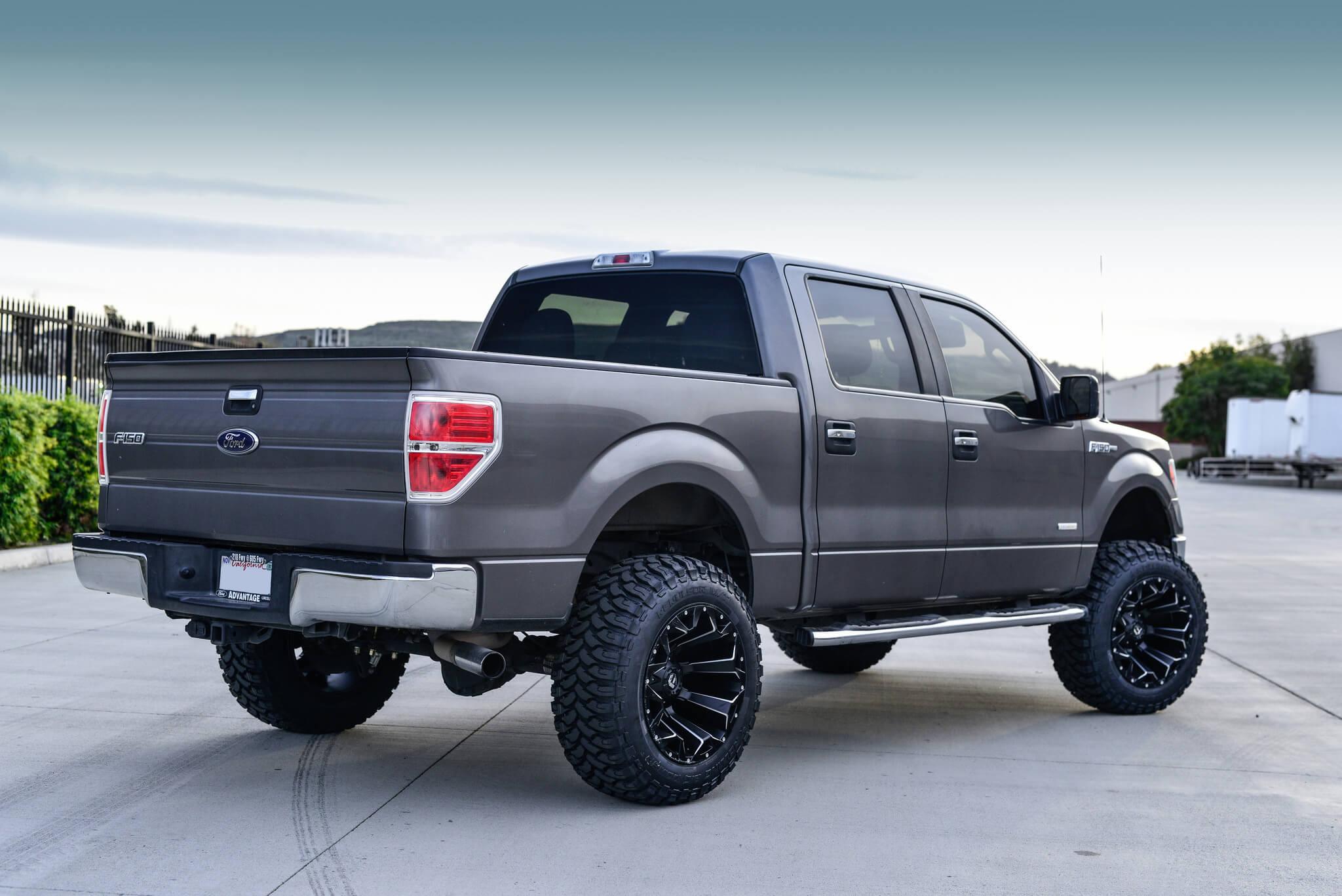 20″ Fuel Wheels D546 Assault Black Milled Rims
