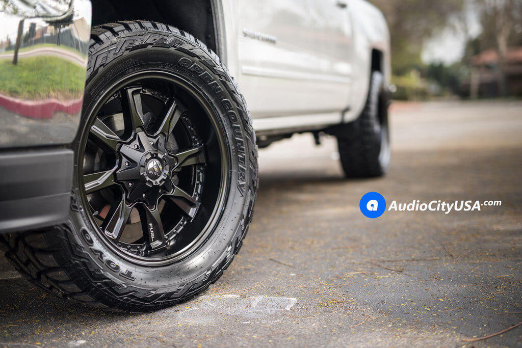 1_Chevy_Silverado_1500_20x9_Fuel_Hydro_D604_Black_Wheels_AudioCityUsa