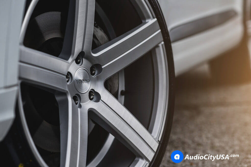 2017_Audi_Q7_22_Varro_Wheels_VD05_Rims_brush_silver_AudioCityUsa