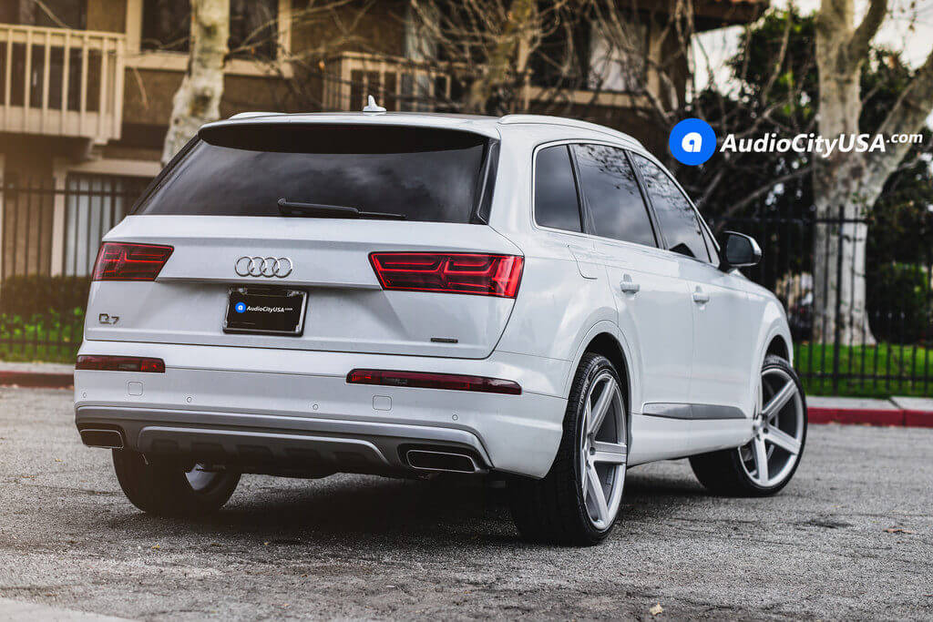 2_2017_Audi_Q7_22_Varro_Wheels_VD05_Rims_brush_silver_AudioCityUsa