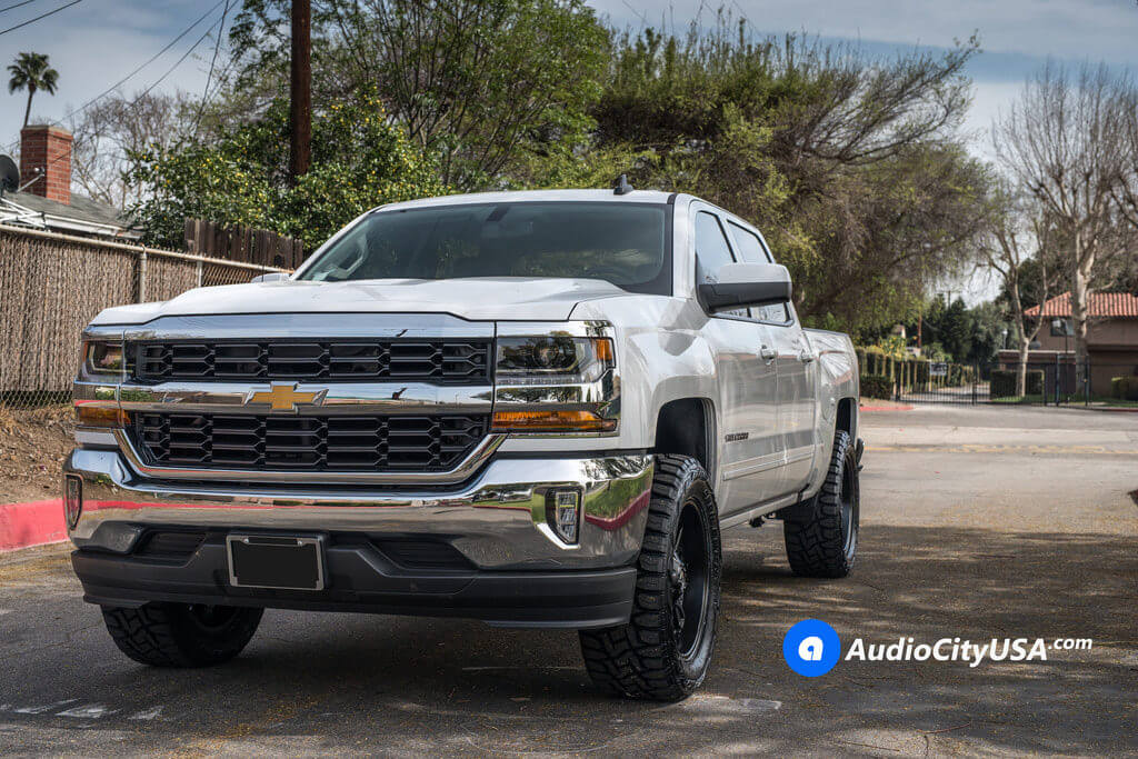 7_Chevy_Silverado_1500_20x9_Fuel_Hydro_D604_Black_Wheels_AudioCityUsa