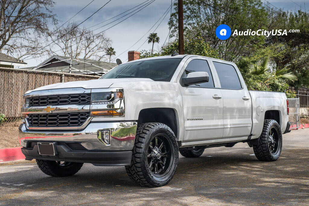 Chevy_Silverado_1500_20x9_Fuel_Hydro_D604_Black_Wheels_AudioCityUsa