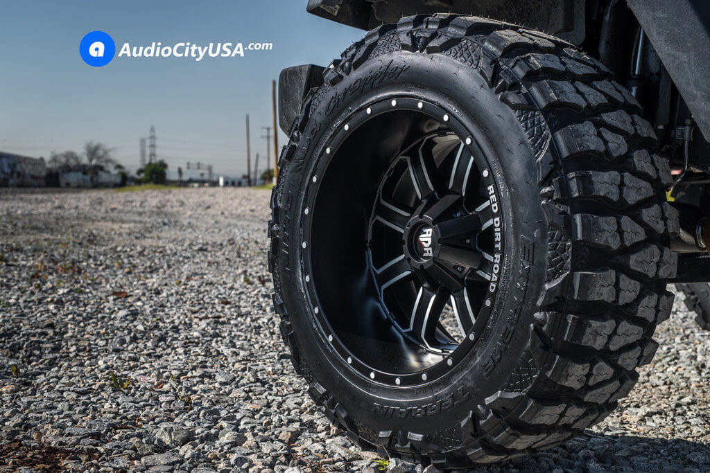 Jeep_Wrangler_20_12_RDR_RD01_Black_Machine_wheels_AudioCityUsa