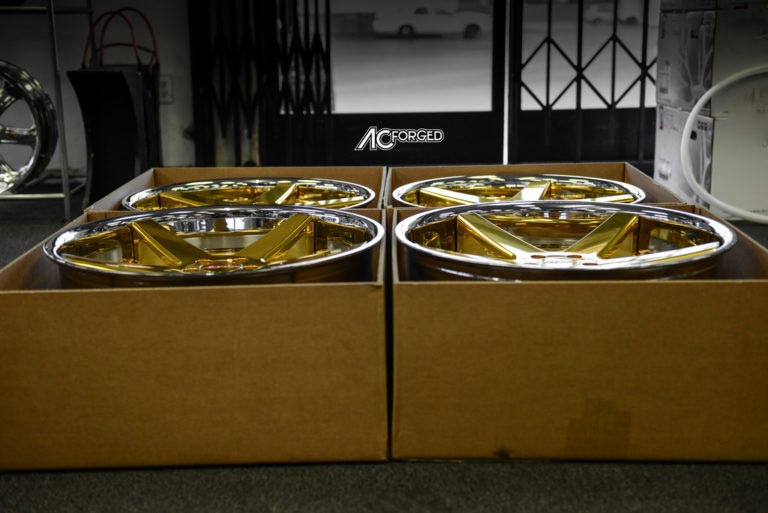 2009 Mercedes Benz S550 | 22″ AC Forged Wheels ACR 405 Custom Gold Plated Centers with Chrome Lip Rims | AudioCityUSA