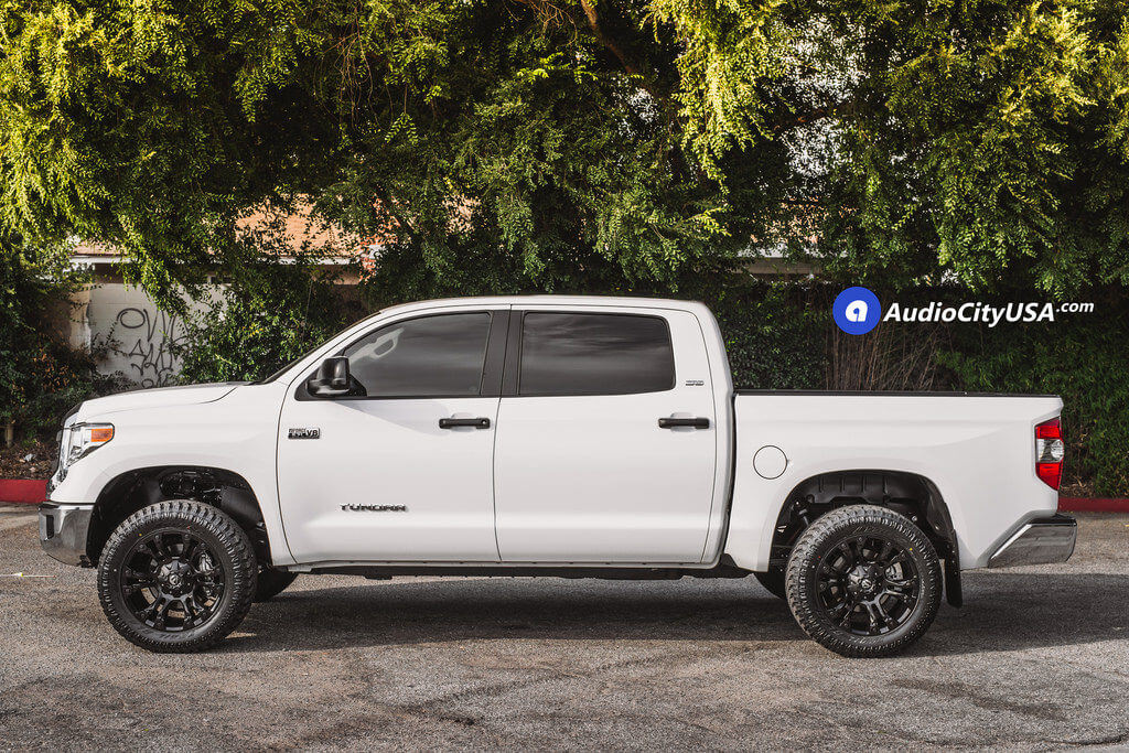 3_Toyota_Tundra_SR5_20_Fuel_Wheels_RIMS_Vapor_d560_black_AudioCItyUsa