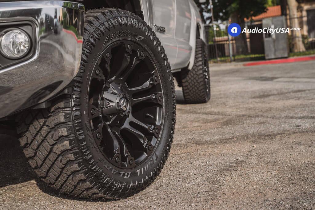 6_Toyota_Tundra_SR5_20_Fuel_Wheels_RIMS_Vapor_d560_black_AudioCItyUsa