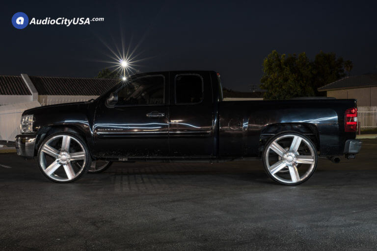 28″ Velocity Wheels 258 Texas Edition- Silver Machined OEM Replica Rims | 2009 Chevy Silverado