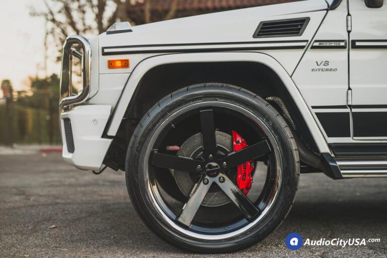 24″ Giovanna Wheels Mecca FF Gloss Black with Chrome SS Lip Rims | 305-35-24 Nitto Tires NT 420S | 2015 Mercedes Benz G63 AMG