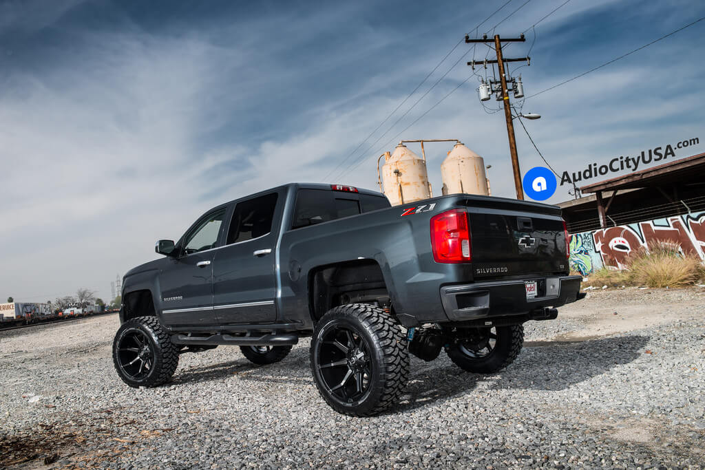 20 Fuel Wheels D556 Coupler Black Machined With Dark Tint Face Rims