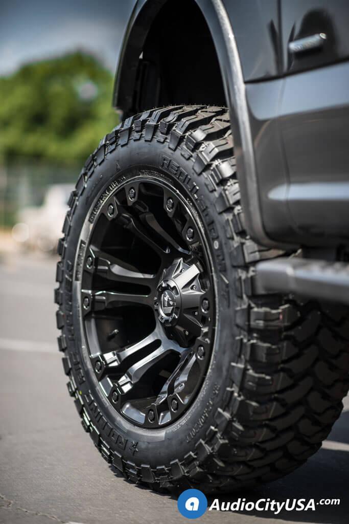 20″ Fuel Wheels D560 Vapor