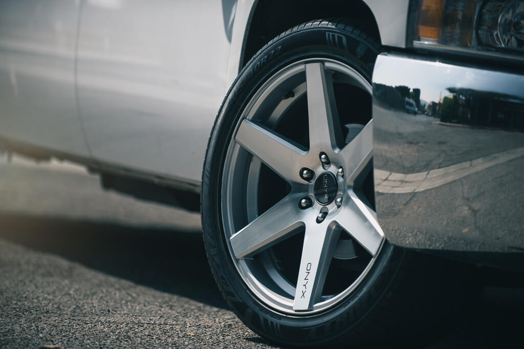 "22"" ONYX Wheels 910 Silver Machined Rims 