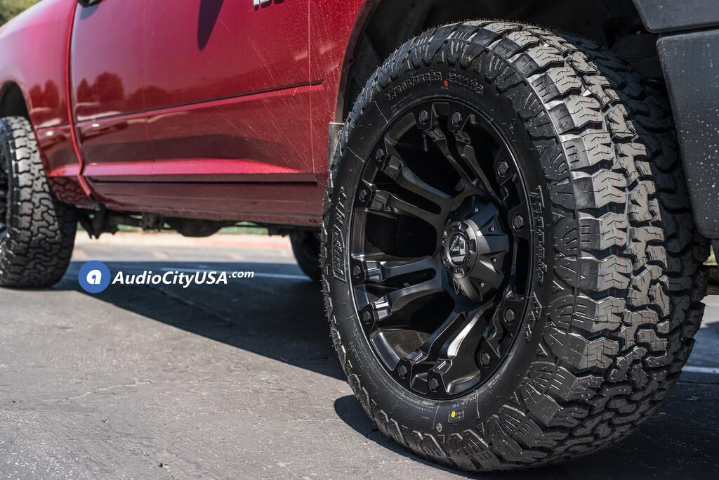 "20"" Fuel Wheels D560 Vapor Matte Black Off-Road Rims"