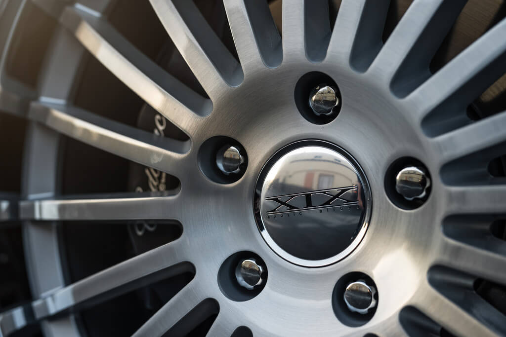 """20"""" XIX Wheels X59 Silver Brushed and SS Lip Rims"""