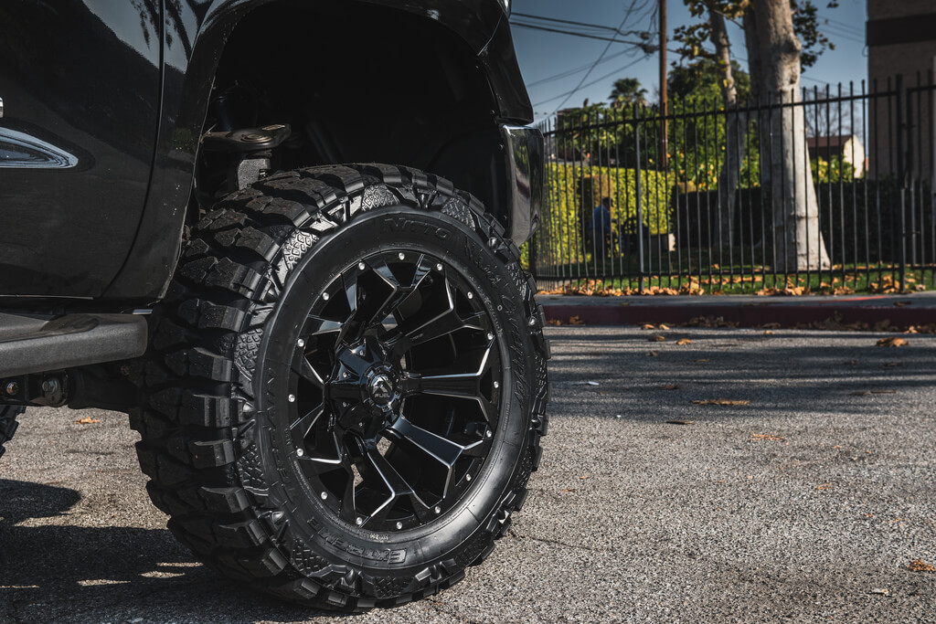 20″ Fuel Wheels D576 Assault with Gloss Black Milled Off-Road Rims