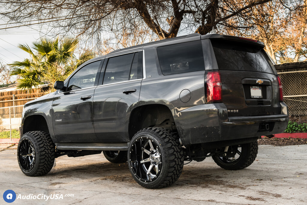 22″ Fuel Wheels D260 Maverick Chrome with Gloss Black Lip Two Piece Off-Road Rims for 2016 Chevrolet Tahoe 2WD Audio City USA