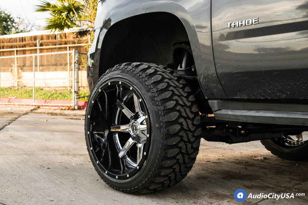 22 inches Fuel Wheels D260 Maverick Chrome with Gloss Black Lip Two Piece Off-Road Rims for 2016 Chevrolet Tahoe 2WD Audio City USA