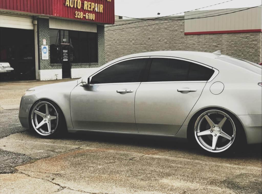 "20"" Ferrada Wheels FR3 Silver Machined with Chrome Lip Rims"