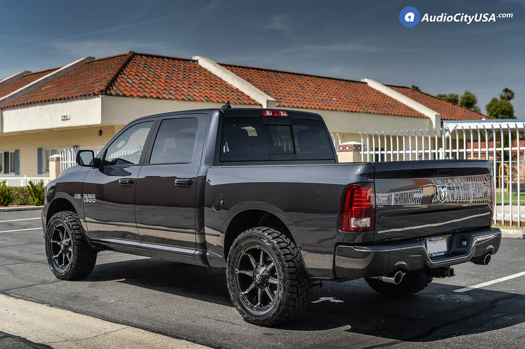 """2017 Ram 1500 Leveling Kit >> 20"""" Fuel Wheels D556 Coupler Black Machined with Dark Tint ..."""