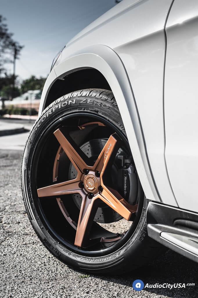 "22"" Lexani Wheels"