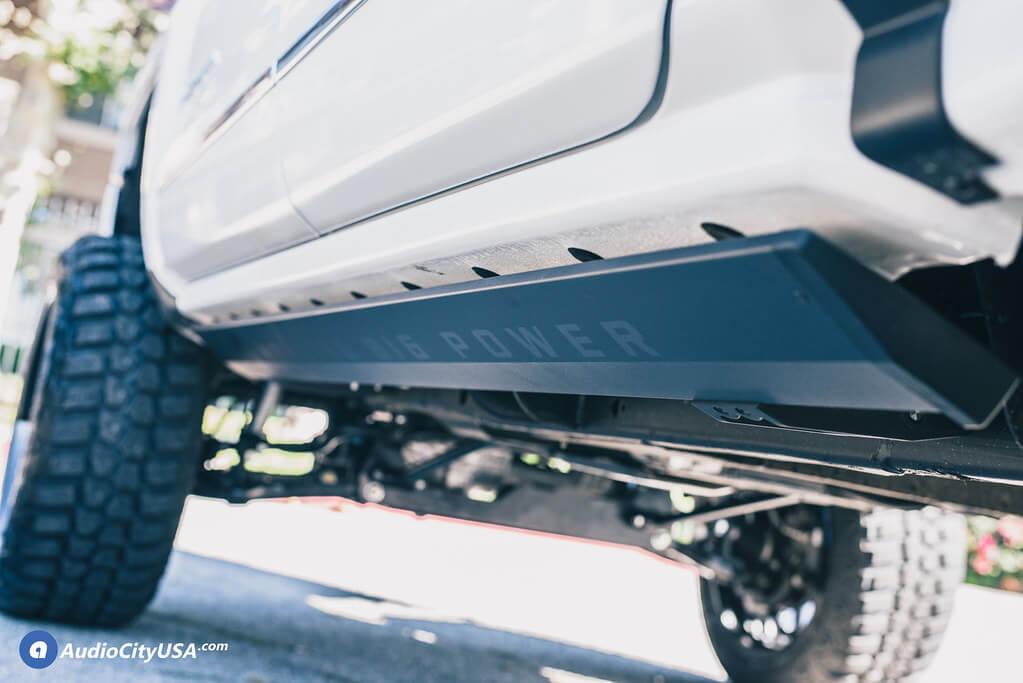22″ Fuel Wheels D588 Titan Black Milled Off-Road Rims