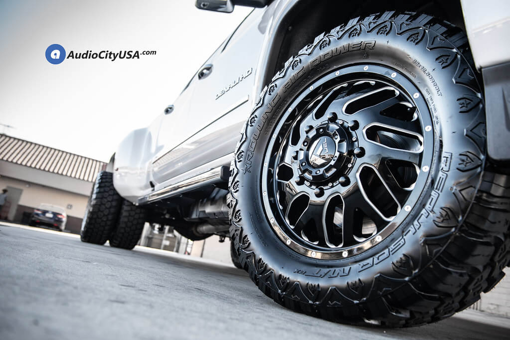 "20"" Fuel Wheels D581 Triton Dually Gloss Black Milled Off-Road Rims Audio City USA"
