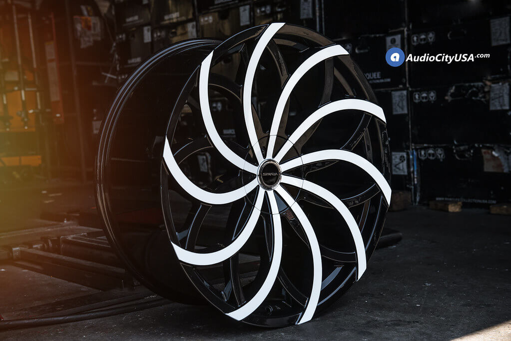 """24"""" Strada Wheels Huracan Gloss with Color Matched White Face Rims"""