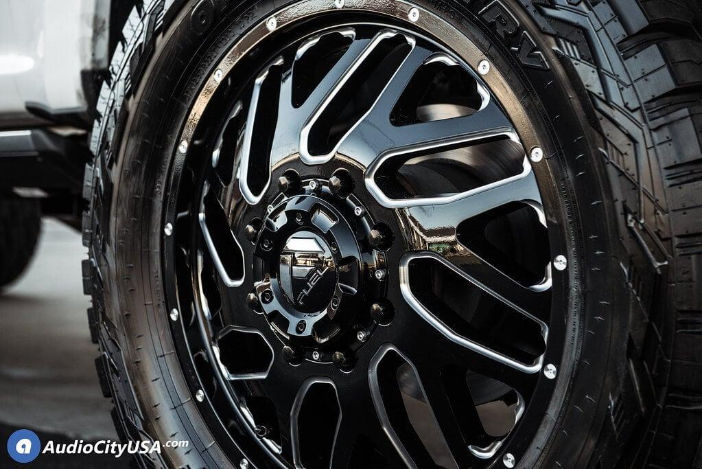 "22"" Fuel Wheels D581 Triton Gloss Black Milled"