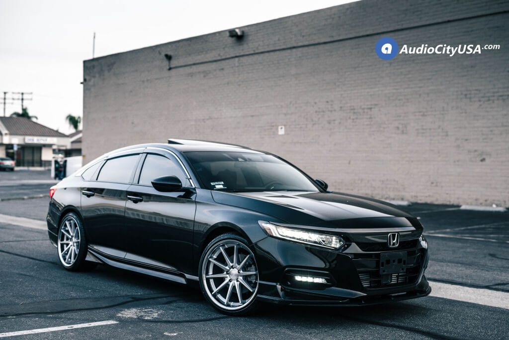 20″ Ferrada Wheels FR4 Silver Machined with Chrome Lip Rims and Lexani Tires LX-Twenty for 2019 Honda Accord Sport