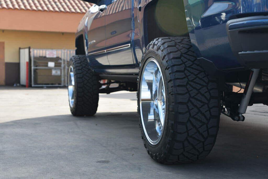 "2018 Chevy Silverado 1500 Z71 22x12"" Wheels + Tires ..."