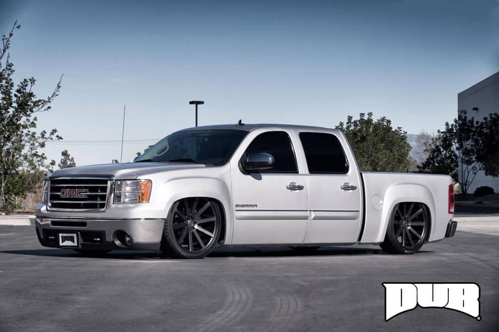 "24"" Dub Wheels Shot Calla S121 Black Machined with Dark Tint Rims"