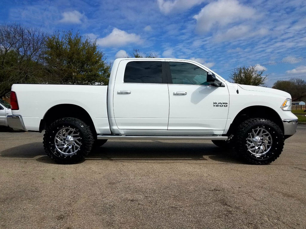 20 Quot Fuel Wheels D211 Triton Chrome Face With Gloss Black