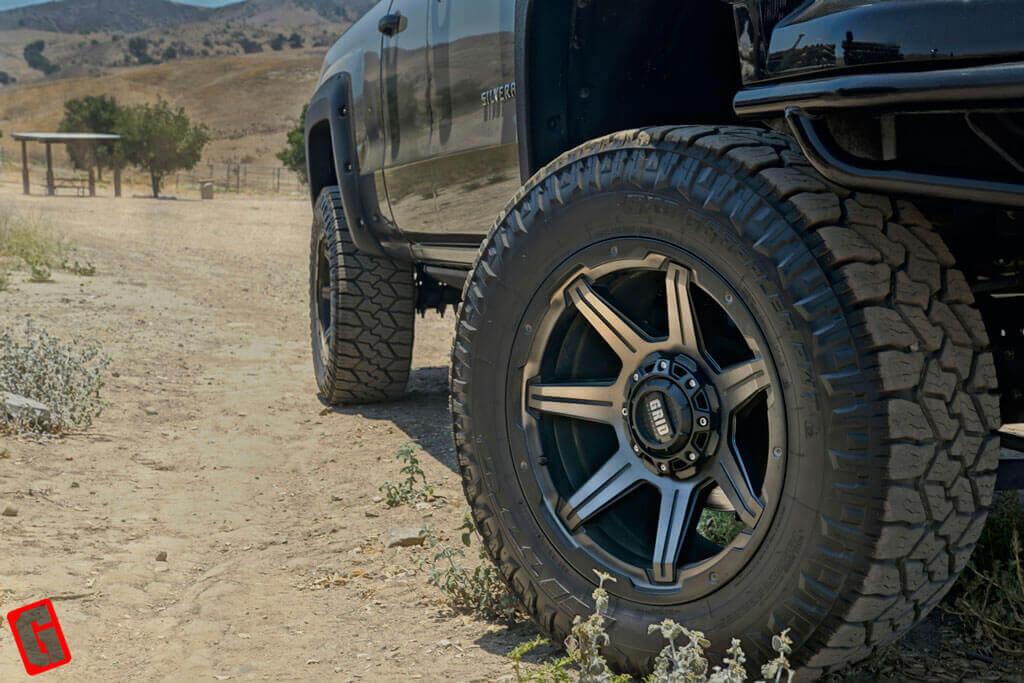 Grid Wheels GD6 Bronze Dark Tint with Matte Black Off-Road Rims