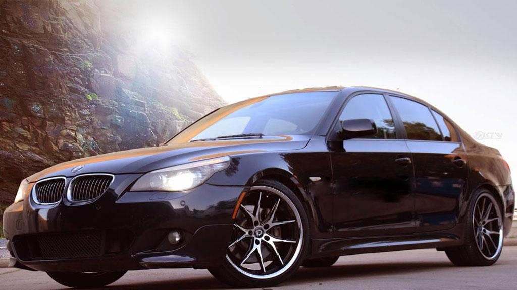 "22"" Lexani Wheels R-Twelve Black Machined with Chrome SS Lip Rims"