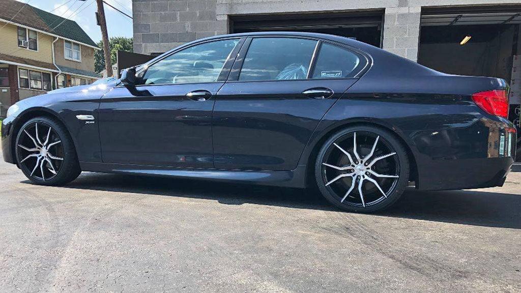 staggered niche wheels  ascari gloss black  brushed rims nc
